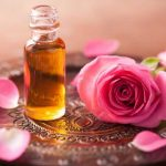 Óleo de Rosa: o versátil para corpo, mente e alma